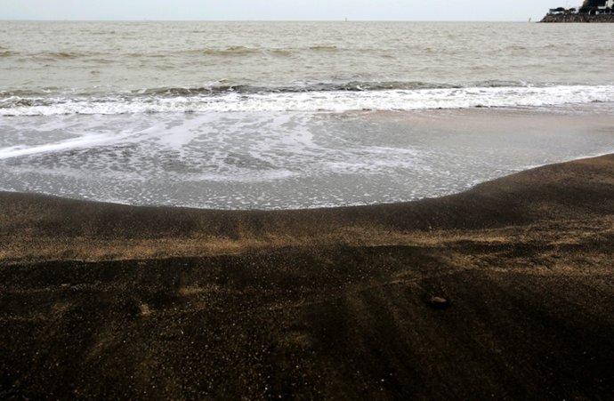 探访澳门黑沙海滩