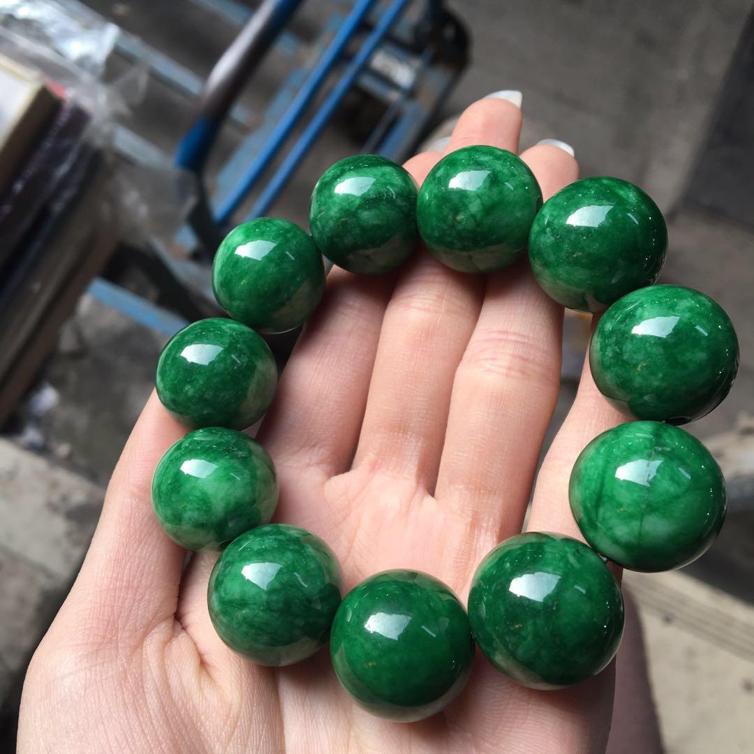 China Hetian Black Green Jade Hand-crafted Buddha Beads Three-way Valve Ornament