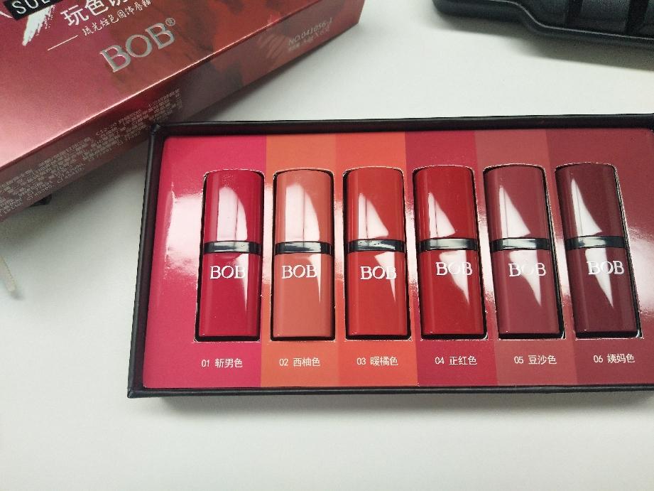 价格亲民的BOB口红礼盒6种色号上嘴实拍