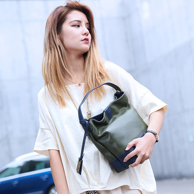 HERBAL HEAVEN / cottage food Mummy Shoulder Messenger header layer of leather hand bag bucket bag woman