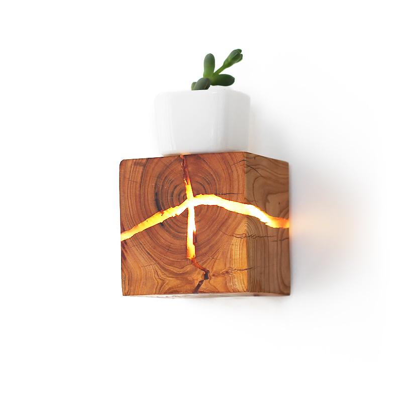 原创裂痕实木LED壁灯