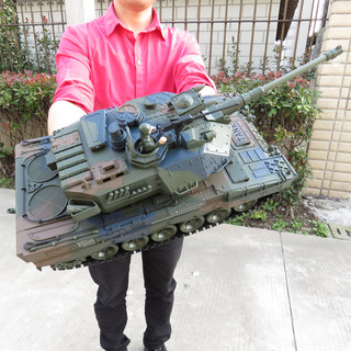 Li Fung RC tank into large children's toys may emit smoke movable metal mold charge smoke emission Boy