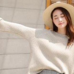 毛衣搭配半身裙,秋冬比较好的穿搭方式