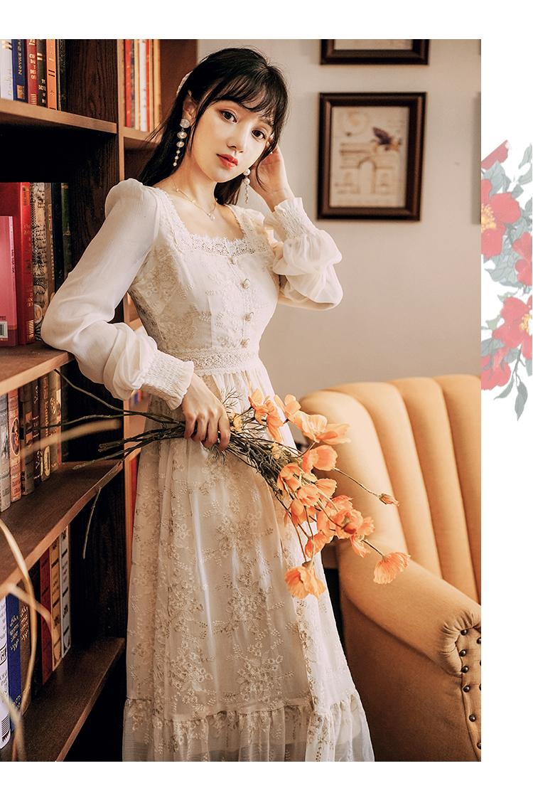 韓日美代購秋季少女法式復古蕾絲刺繡溫柔方領20連身裙收腰顯瘦氣質超仙森系