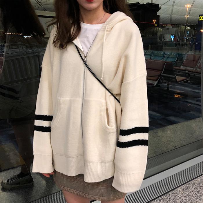 Korea dongdamen lazy wind sweater big pocket top college wind stripe sleeve loose hooded knitted coat
