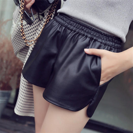 2017 autumn and winter new pu leather pants shorts Korean version of the loose high waist casual wear large to wear wide leg pants