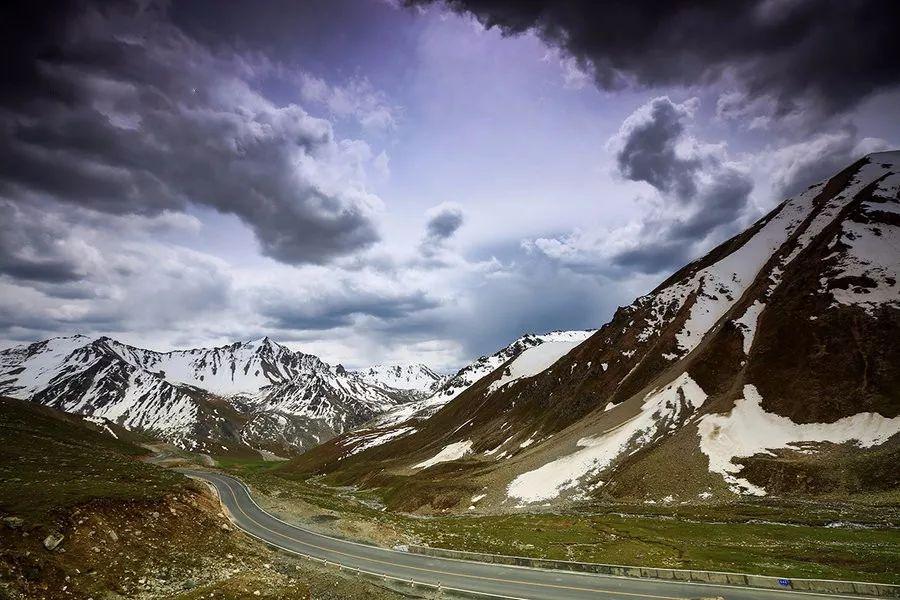 公路旅行新疆是你最合适不过的