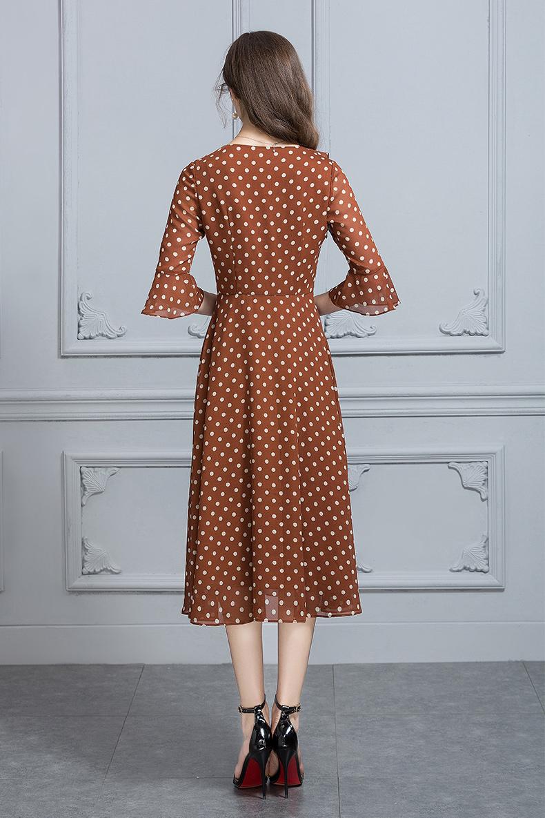 Mực Qinghua 2018 Mùa Hè Mới Thời Trang V-Cổ Đơn Giản Slim Eo Dot In Ấn Georgette Dress