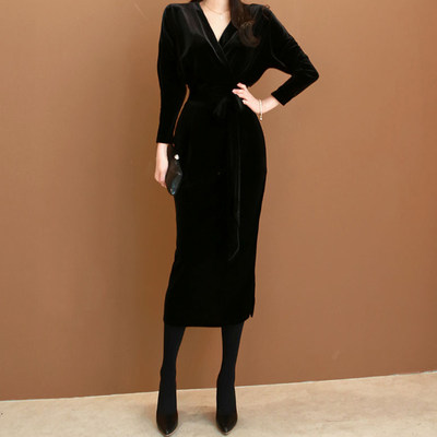 Autumn and winter dress black gold velvet long long dress Slim fit buttocks show thin temperament female evening dress can be worn usually