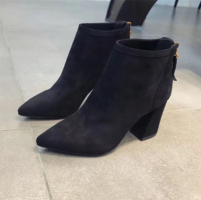 欧洲站真皮同款切尔西短靴女2018新款高跟明星粗跟尖头马丁靴裸靴