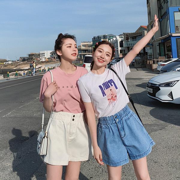 女士牛仔裤女超弹力女子裤夏季短裤高腰韩版衣服阔脚裤小脚裤子。