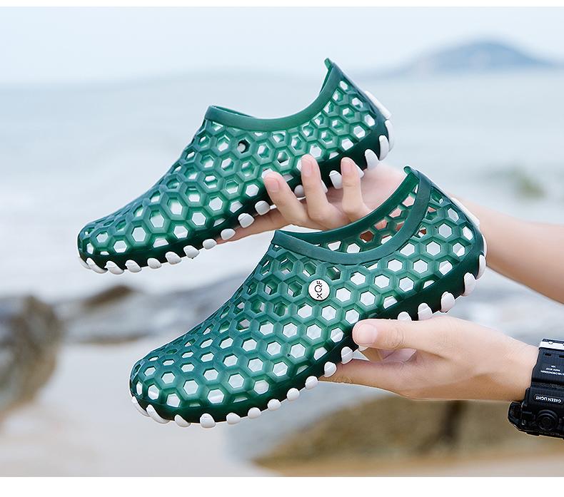 Cặp vợ chồng dép nam mùa hè của nam giới giày lỗ đáy mềm thở trượt mùa hè mới dép nam dép triều Waichuan