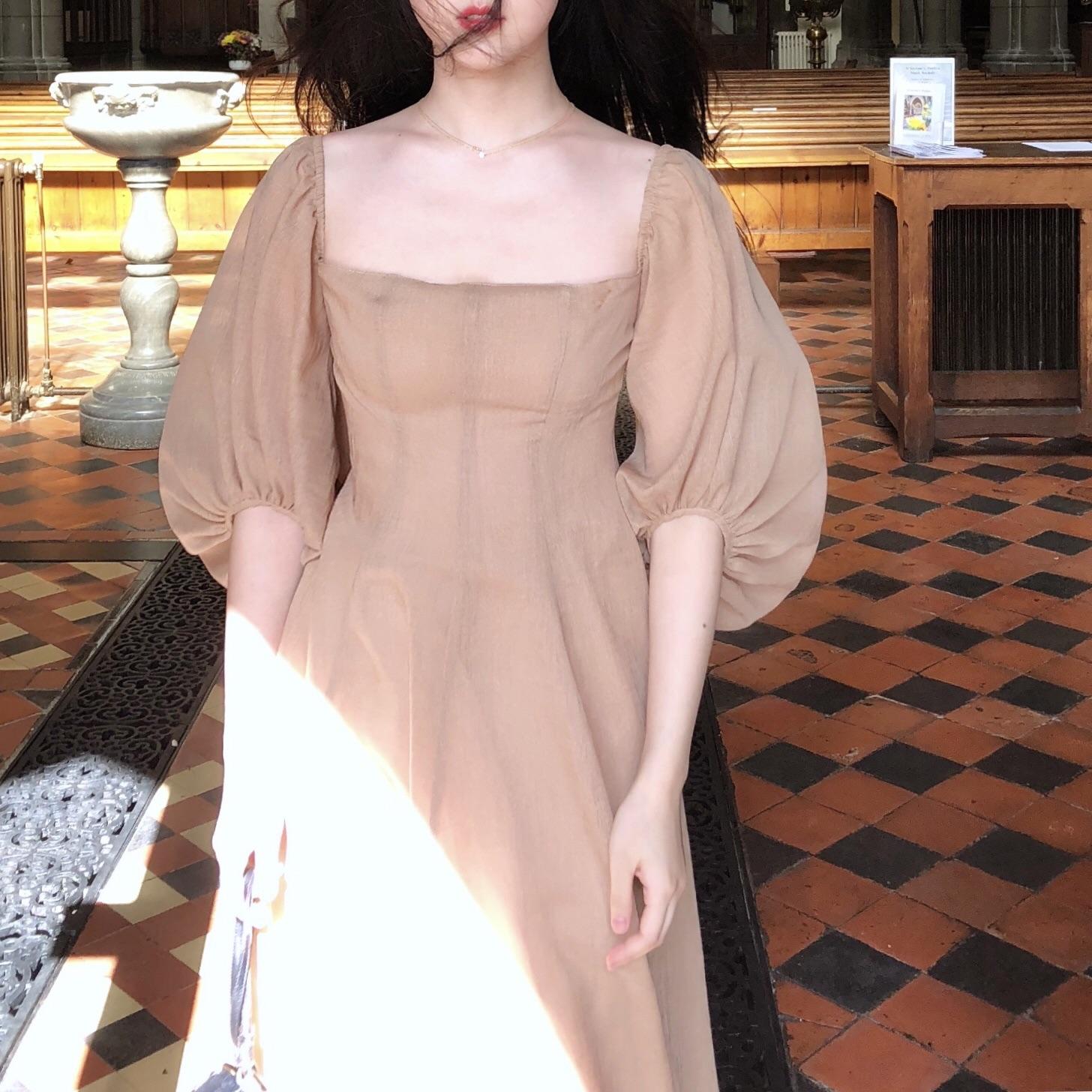 胡斑宫廷法式长裙风复古方领棉麻袖大裙摆秋冬两穿泡泡色连衣裙女