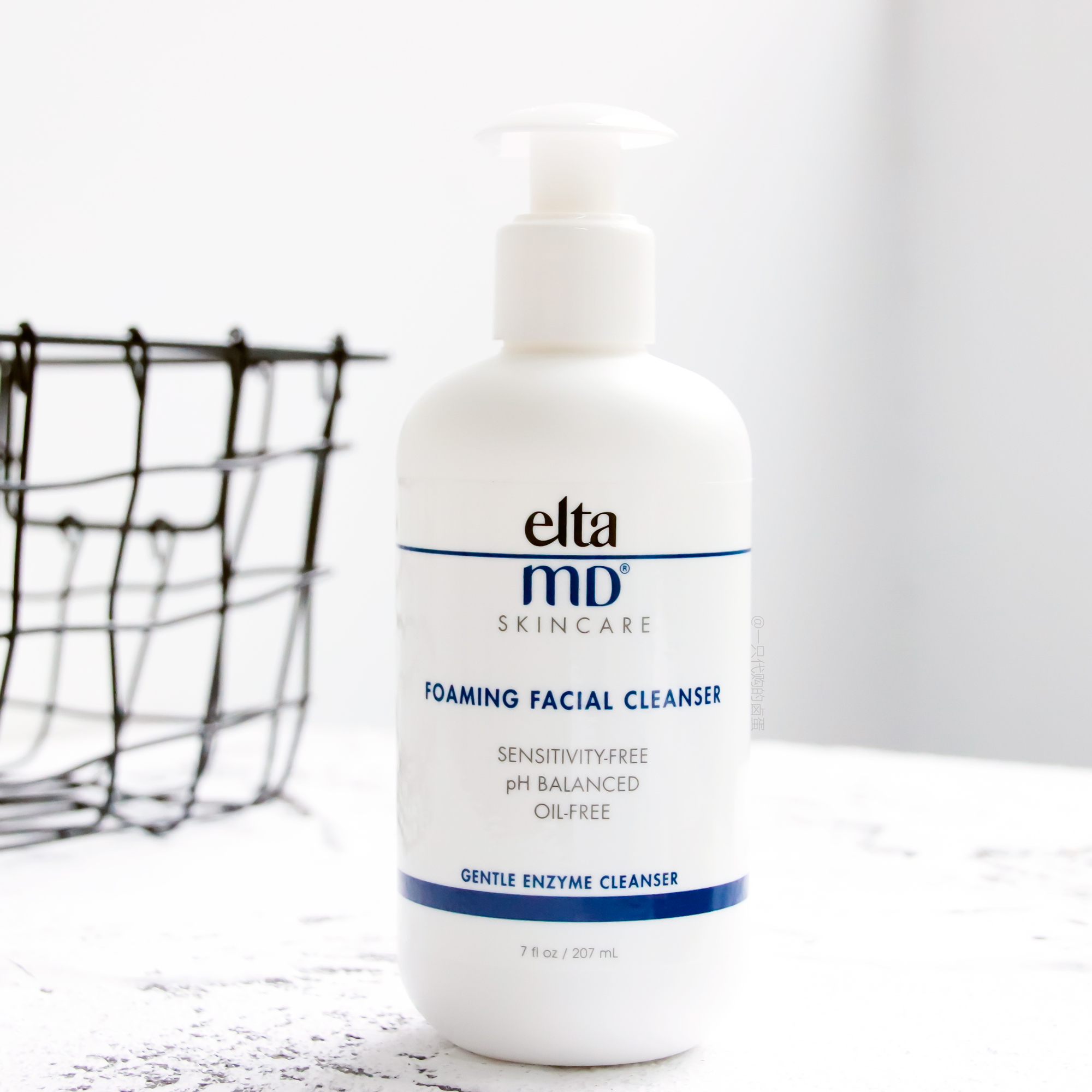 Elta facial cleanser