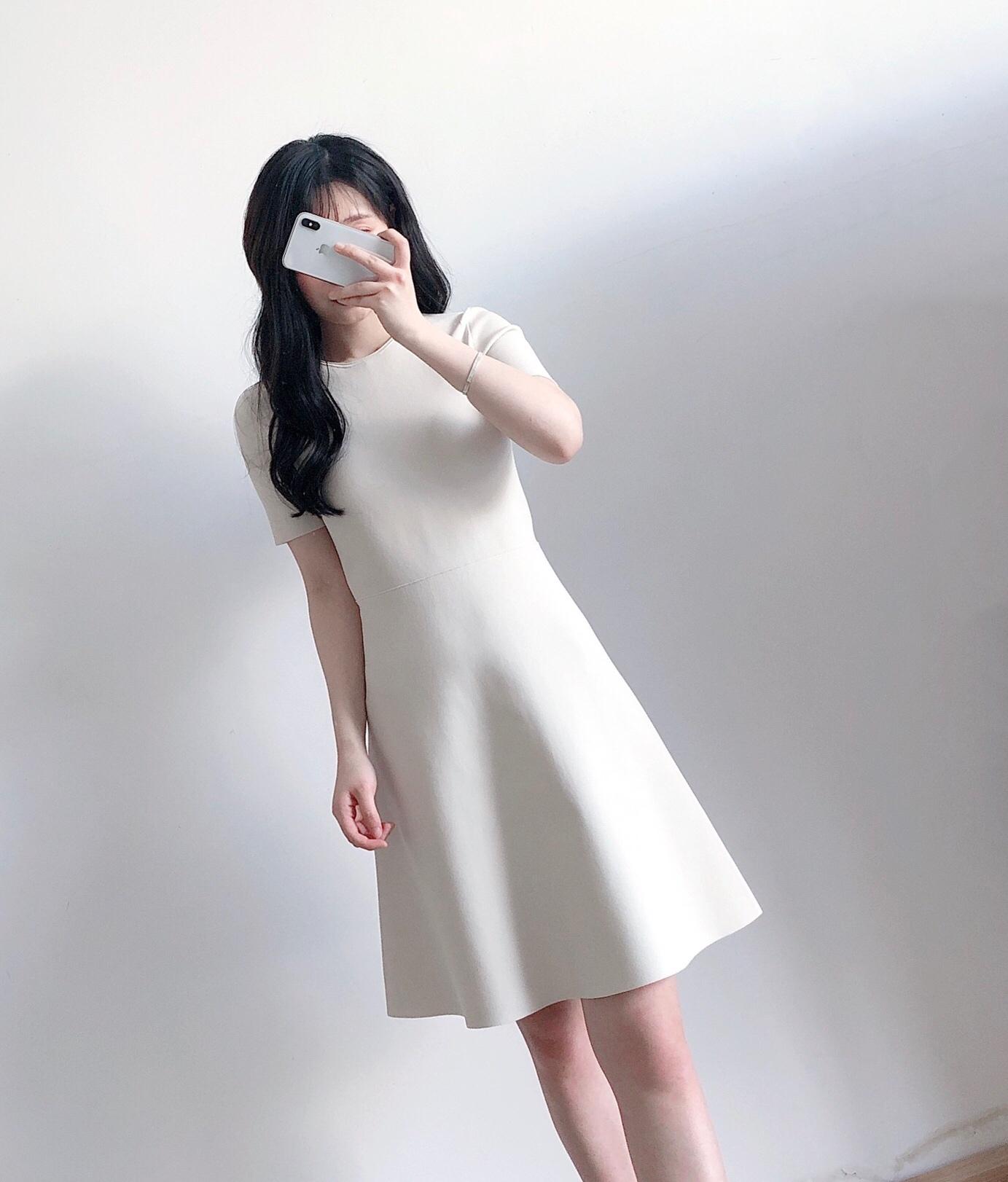 限尺码 Theory 希尔瑞 Intsia 针织修身短袖连衣裙 1.8折$65.57 海淘转运到手约¥507