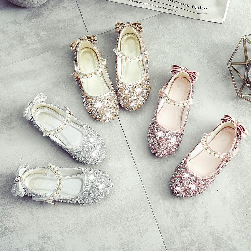 Для маленькой принцессы Ботинки на девочку Мягкое основание туфли Горохская обувь 2018 новая коллекция корейская версия демисезонный детские на плоской подошве Чжунда детские хрустальные ботинки