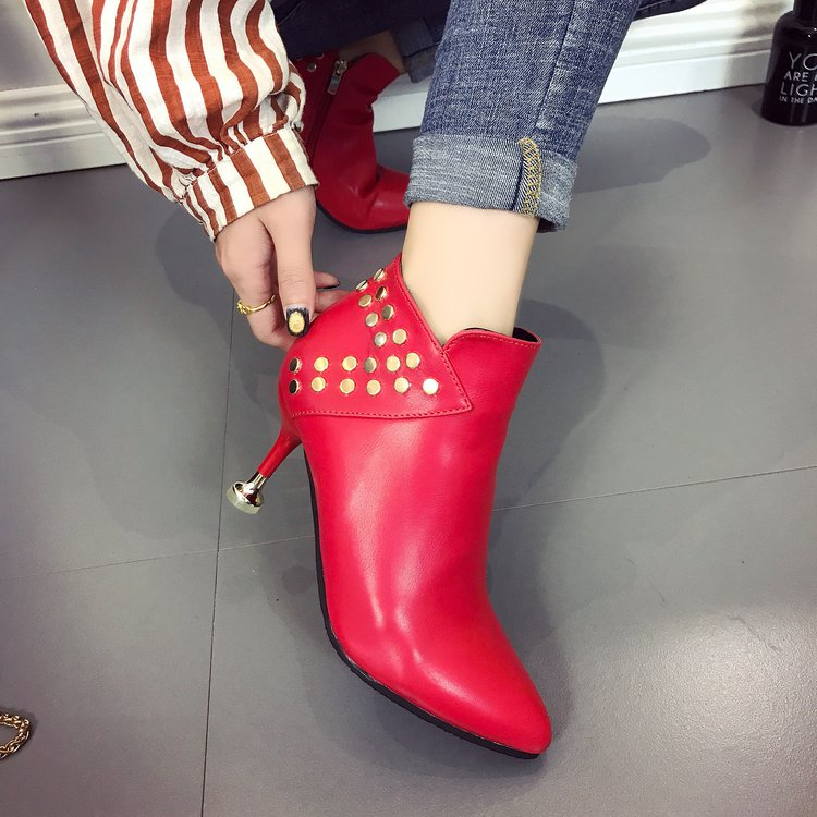 婚鞋女2017新款红色冬季韩版高跟中跟红靴子粗跟短靴新娘鞋结靴婚