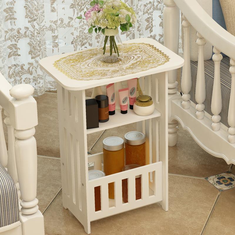 Северный журнальный столик простая гостиная небольшой круглый стол небольшая квартира балкон сторона спальня двуспальная тумбочка простой креативный стол