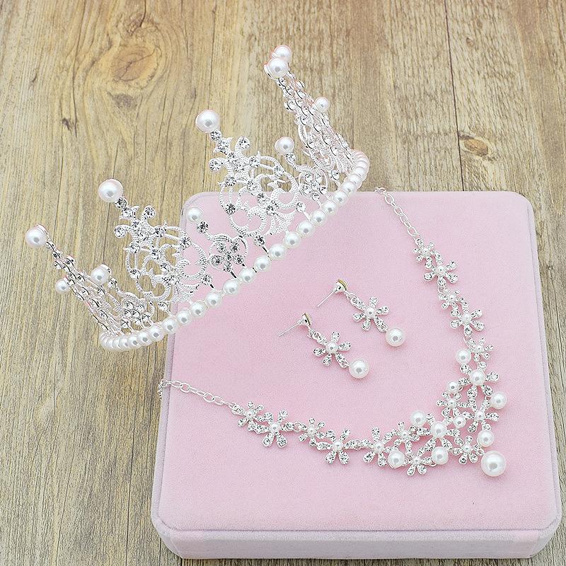 韩式新娘头饰三件套装结婚皇冠项链珍珠水钻婚纱配饰新款饰品2018