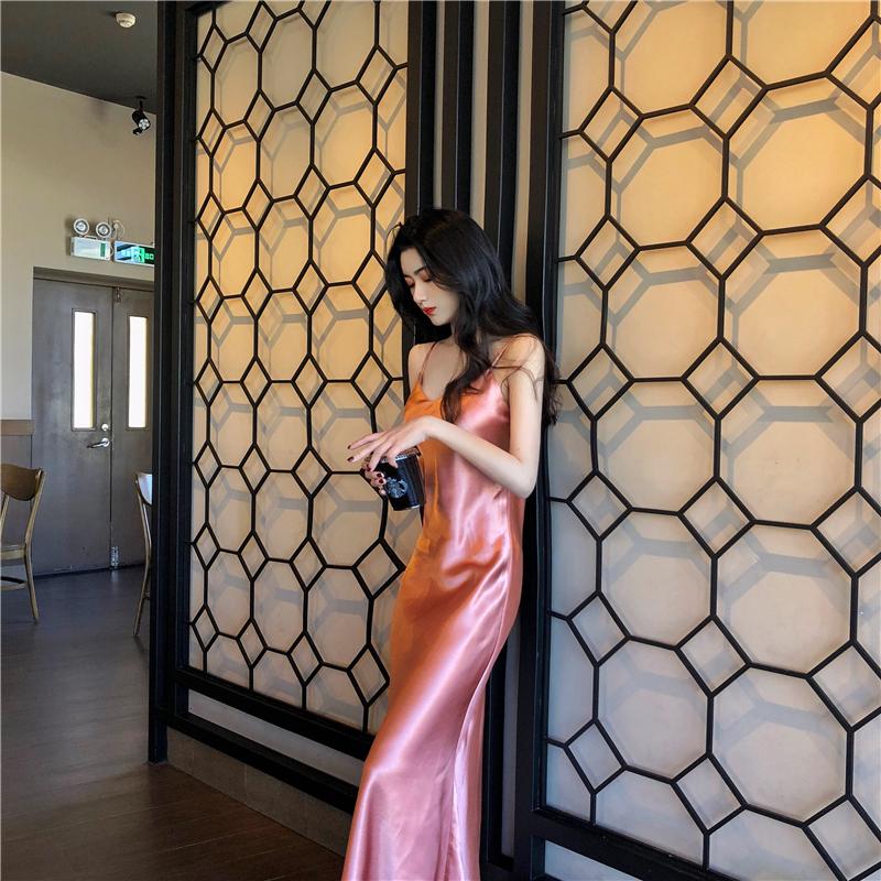 裙子名媛氣質優雅高級緞面V領魚尾連衣裙女2020夏純色吊帶裙長裙