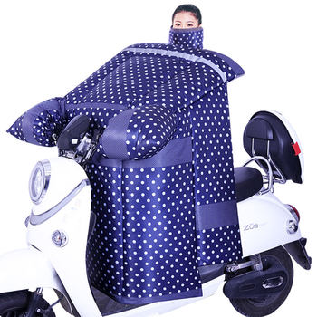 Electric motorcycle windshield is winter plus velvet thickening winter electric car battery car autumn and spring sunscreen shield windbreaker