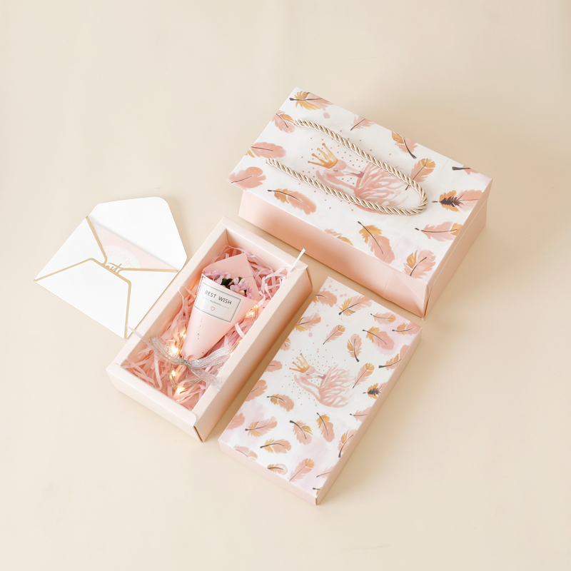 Feather gift box + shredded paper + gift bag + bouquet + greeting card