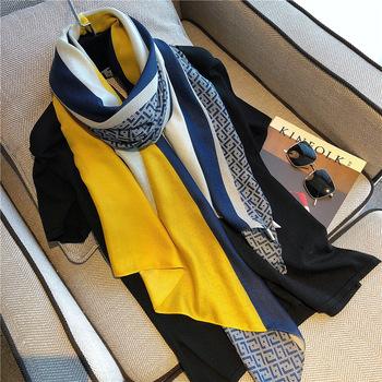 Пряжа полотенце шарфы женщина дикий весенний и осенний сезон. зимой драгоценность тонкие модельа модель осеняя модель западный стиль мода шарф шаль иностранных взять, цена 444 руб