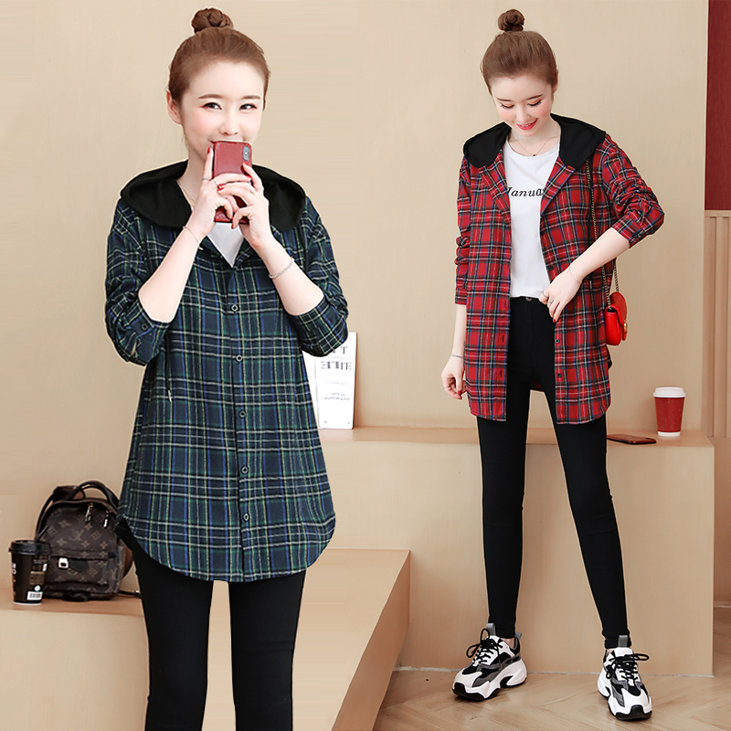 Large size women's 2020 new Korean version of loose plaid shirt Chunqiu fat sister hooded shirt jacket 200 kg