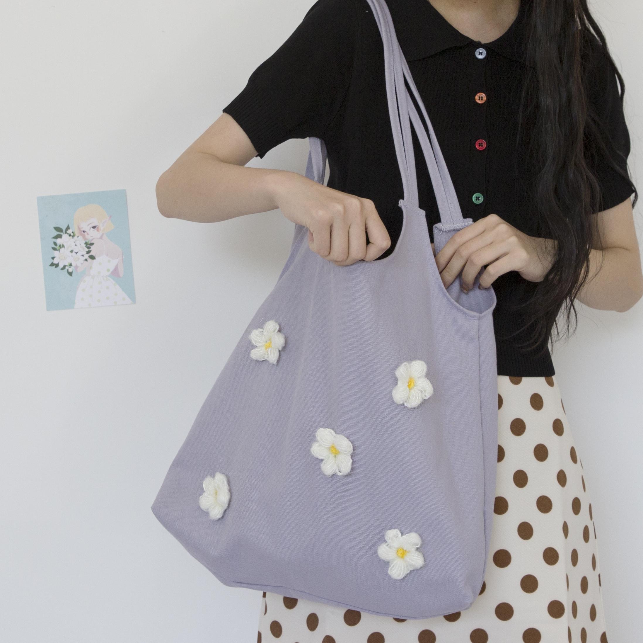 Flower Petal Pattern Casual Canvas Satchel Laptop Computer Home Messenger Bag Traveling Camping for Men Women Student Shoulder Bag