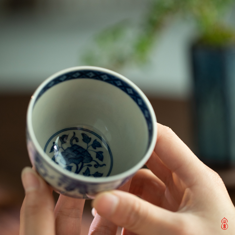 Day blue green room sweet work patterns and a cup of jingdezhen ceramic sample tea cup kung fu tea cups by hand