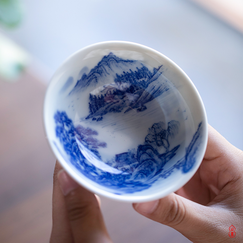 Day cup of jingdezhen blue and white river village, castle peak room high - end kung fu tea cup single master cup single cup sample tea cup