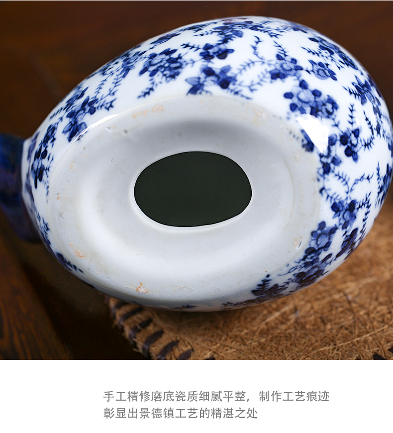 Jingdezhen ceramic chicken furnishing articles crafts checking antique piece of chicken sitting room open the parent - child of blue and white porcelain decoration gifts