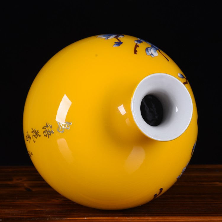 Jingdezhen ceramic vase home sitting room golden straw yellow charactizing a pomegranate bottled act the role ofing is tasted furnishing articles