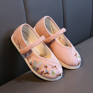 Handmade shoes old Beijing girl in Chinese clothes and footwear National wind embroidered shoes Kindergarten children act out shoes white shoes