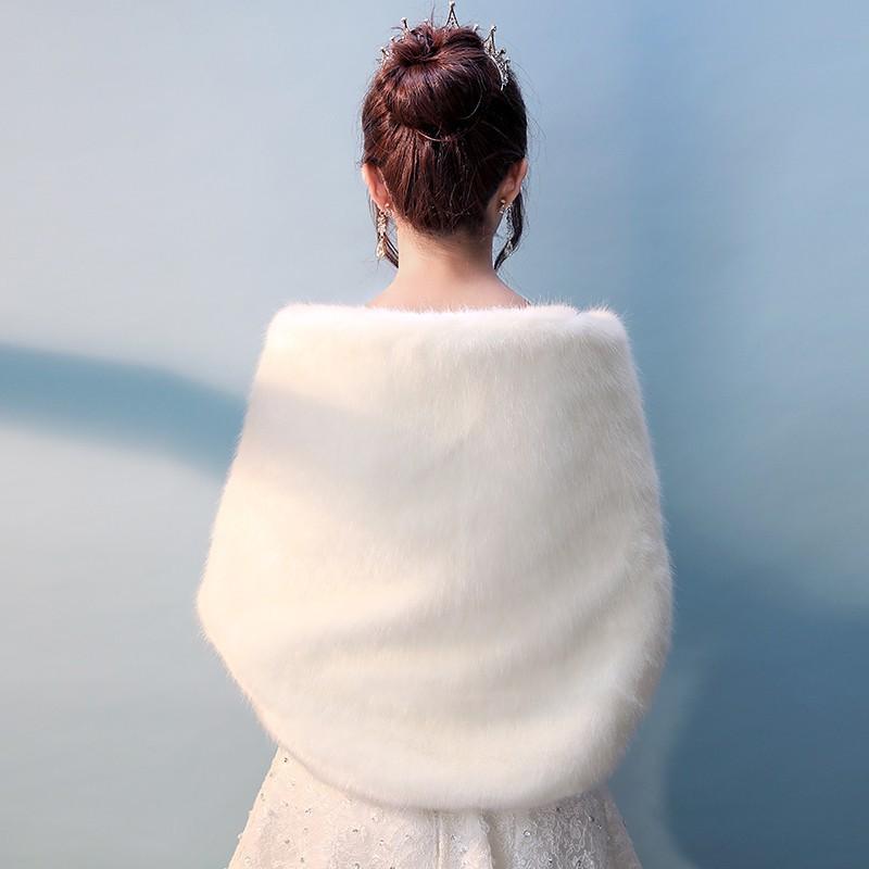 日本购热销2019新款礼服保暖新娘婚纱披肩仿水貂毛白色旗袍秋冬季