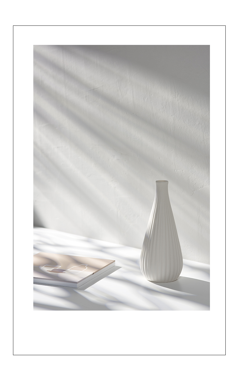 Modern ceramic dried flower vases, small pure and fresh and all over the sky star, hydroponic furnishing articles sitting room of the white flower arrangement Nordic home decoration