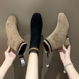 一字带女时装凉鞋黑色2020夏新款中跟百搭性感高跟鞋女细跟大码29