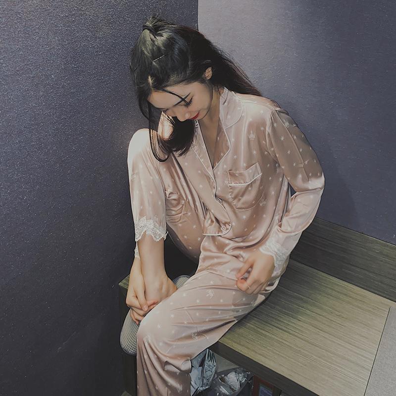 Đồ ngủ lụa Zhailulubing của phụ nữ mùa xuân và mùa thu quần dài tay có thể được mặc hai mảnh phong cách Hàn Quốc ngọt ngào và lỏng lẻo dịch vụ tại nhà - Bên ngoài ăn mặc