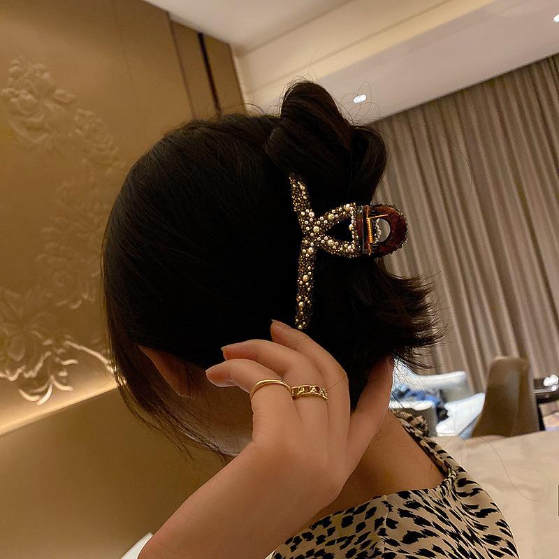 中國代購 中國批發-ibuy99 韩国水钻珍珠发夹ins时尚后脑勺鲨鱼夹大号抓夹气质盘发夹发饰女