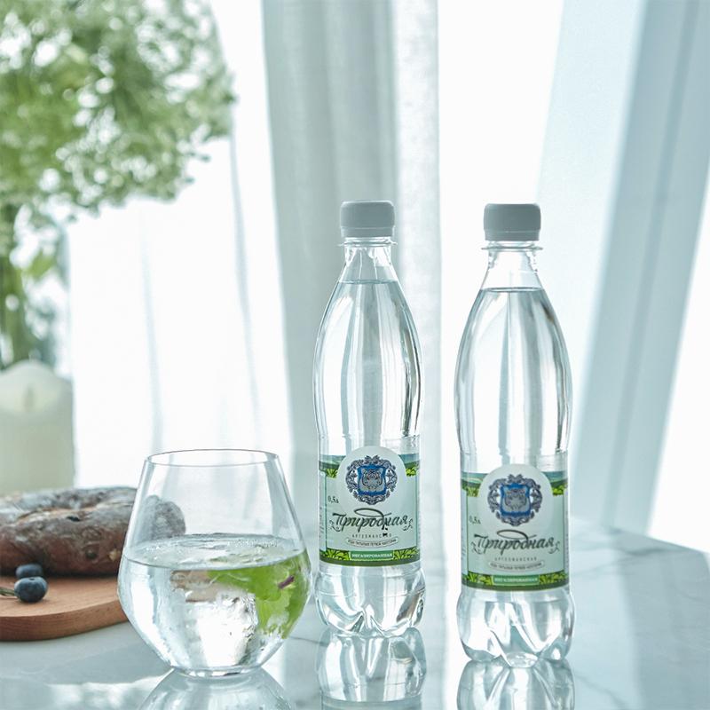 俄罗斯原瓶进口、天然自带气泡水:SHMAKOVSKAYA 500mlx6瓶 无糖矿泉水