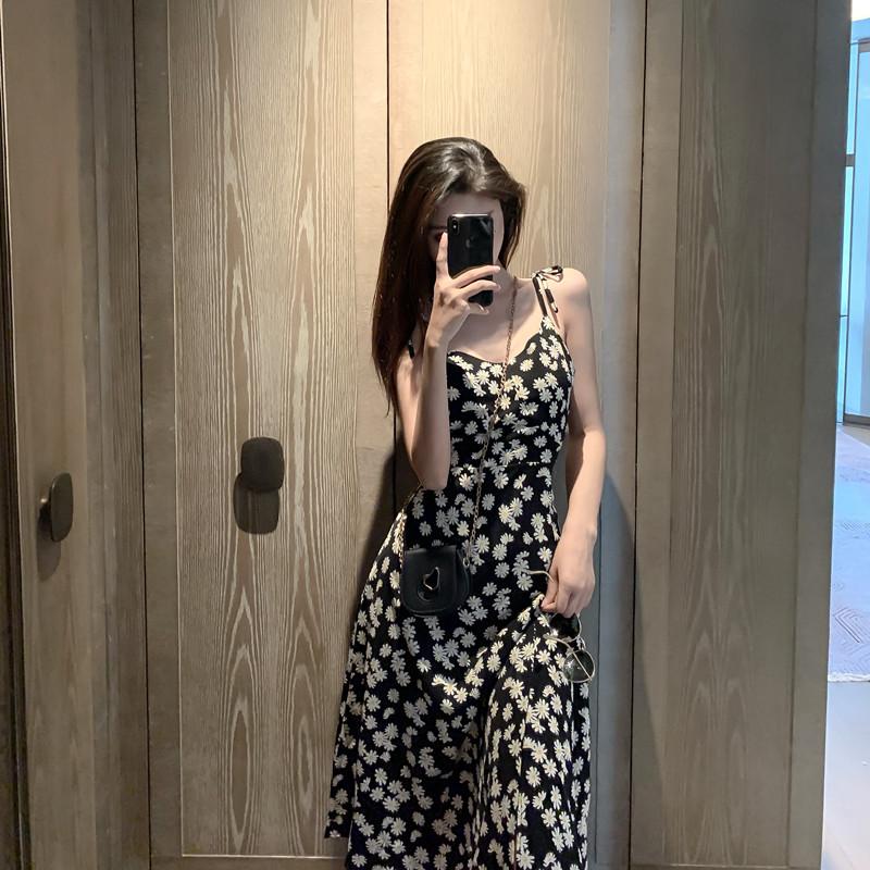 夏季新款2020小雏菊碎花吊带连衣裙