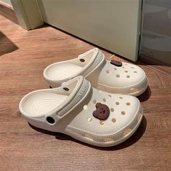 Hole shoes female ins tide non-slip cute girl heart Baotou beach sandals and slippers wear nurse shoes in summer