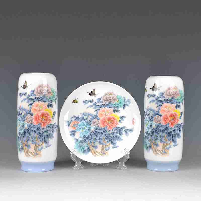 Jingdezhen ceramics pastel blue and white living room TV ark adornment of new Chinese style porch place three - piece vase