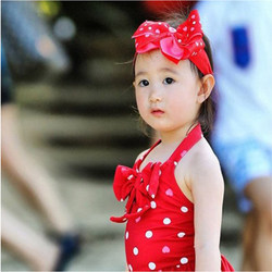 Children's swimsuit, baby girl, hot spring, children and girls, one-piece love princess swimwear, infants and toddlers, send swimming caps and headbands