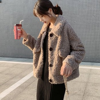 Plus thick velvet imitation lamb's wool coat female loose short paragraph winter 2019 new wave of small fragrant wind jacket slashed 28