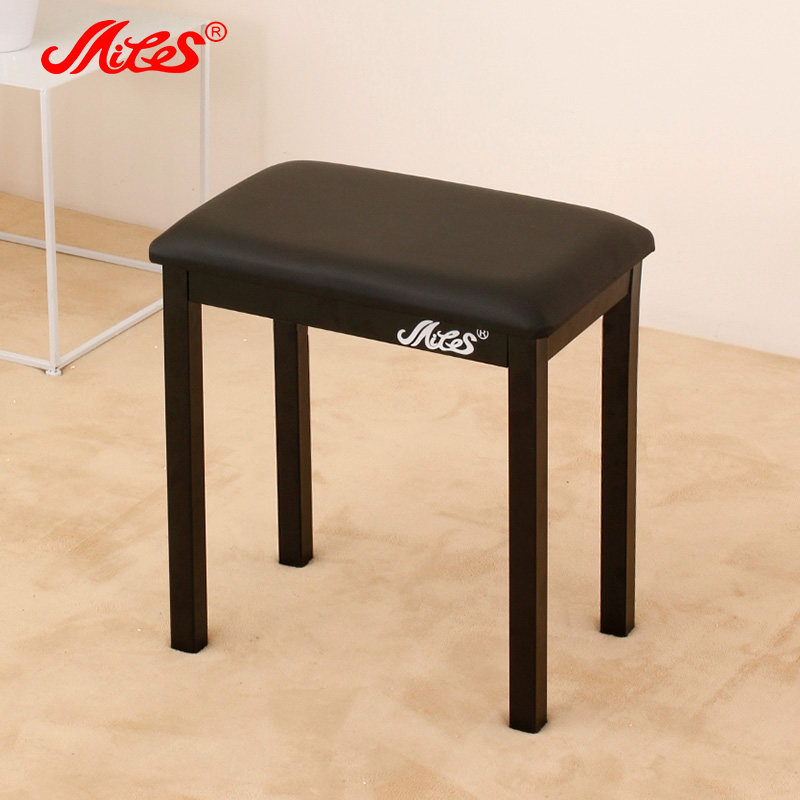 Цвет: Черный стул