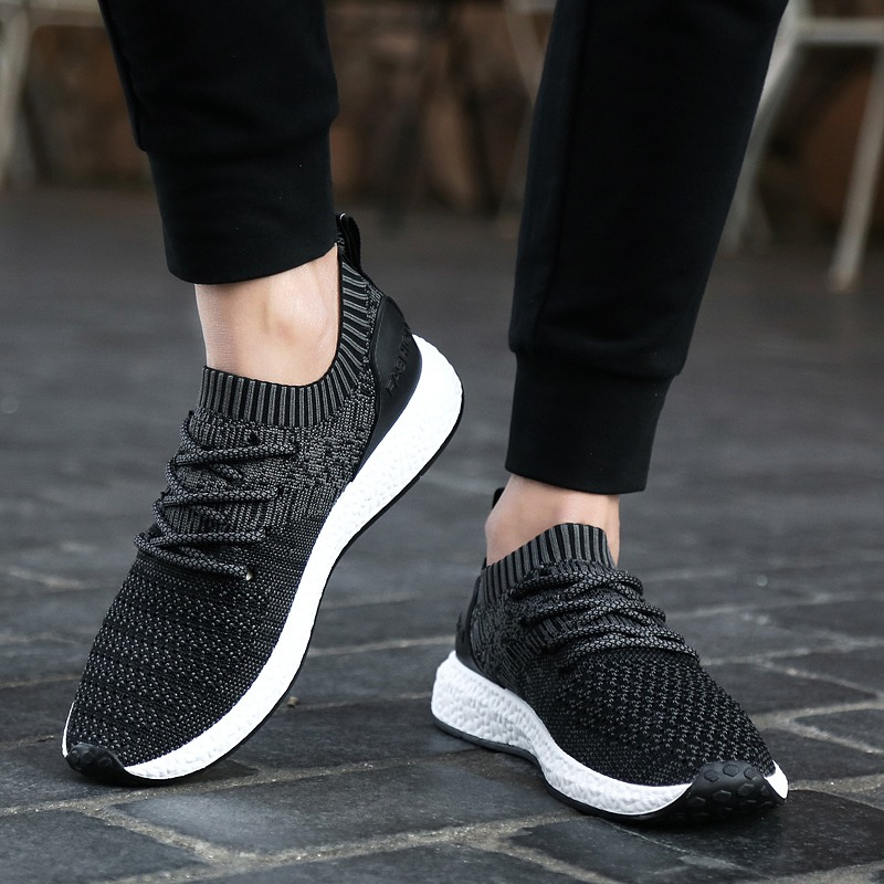 Men's sneakers breathable casual shoes tide shoes spring and summer net shoes light England fly woven men's shoes Korean running shoes