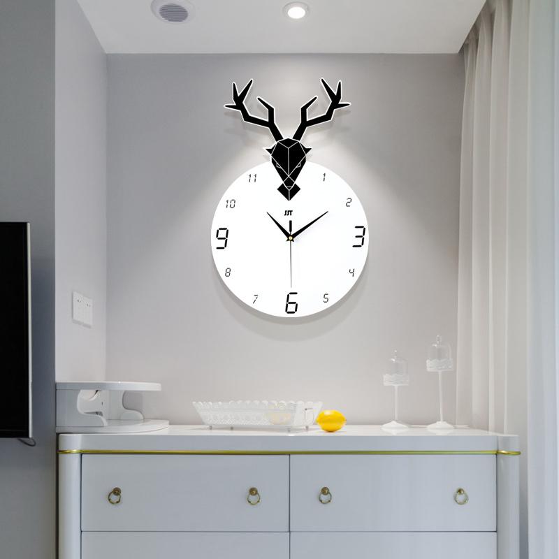 (用30元券)现代简约鹿头挂钟北欧创意个性钟表客厅家用静音时钟大气时尚挂表