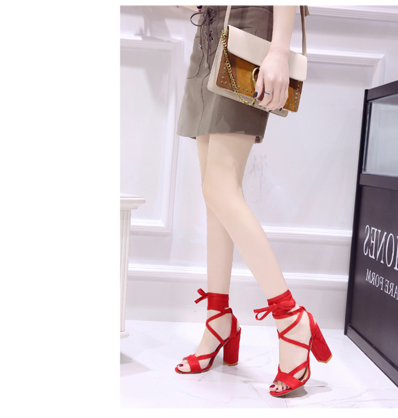 Summer new Roman style cross straps thick with sandals wild small fresh high heels. 13