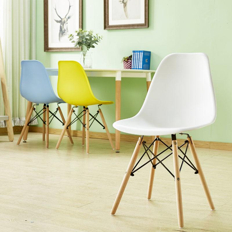 Председатель сейчас поколение Простой ленивый студенческий стол стул стул дома макияж стул Nordic стул Eames стул